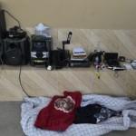 Policias cumprem mandato de busca em Morretes